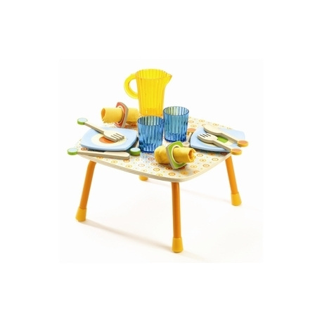 Lille bord til dukkerne