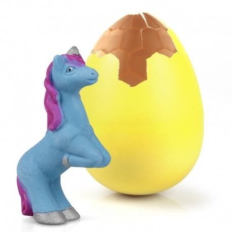 et æg med unicorn der vokser